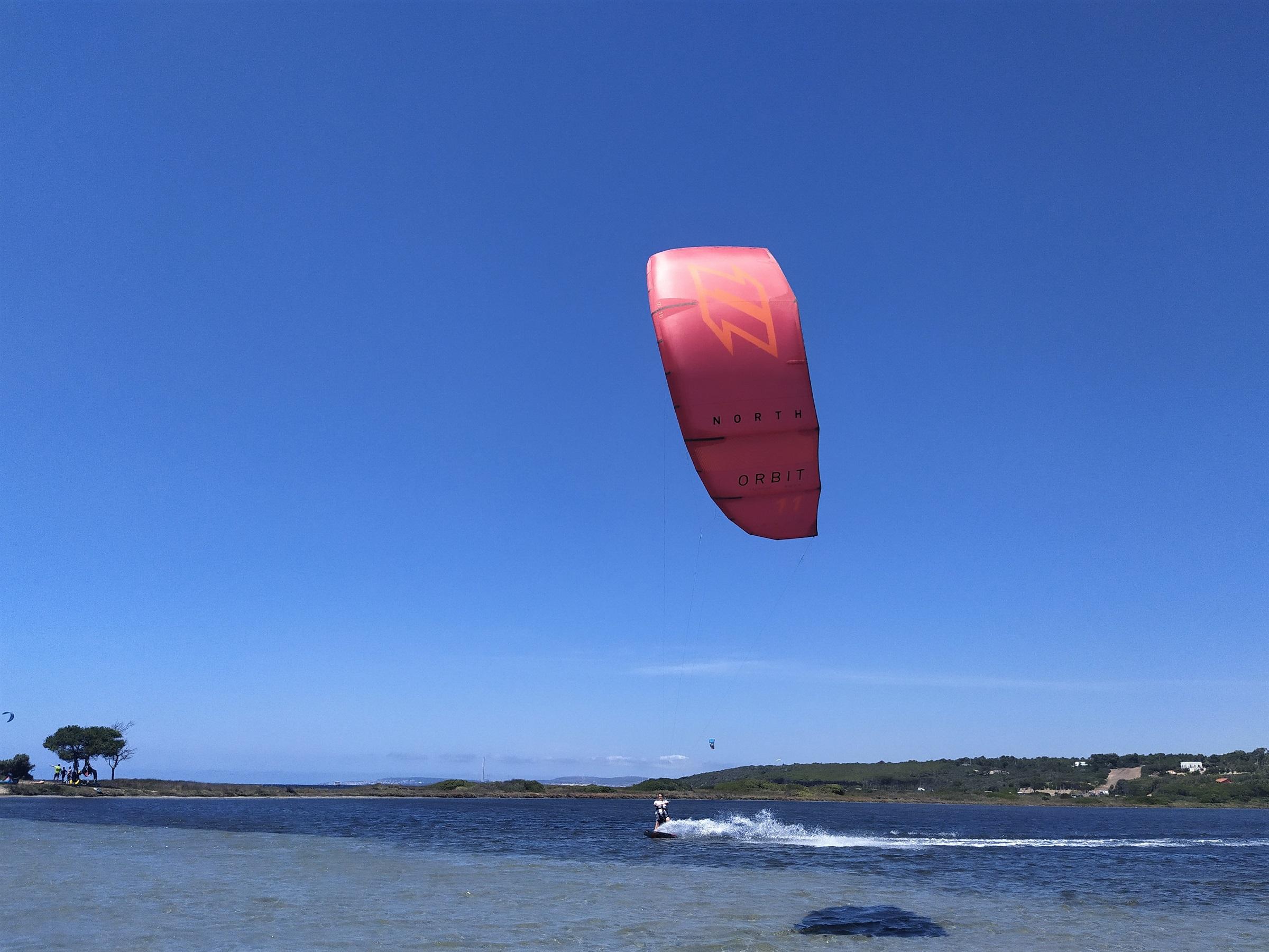 Kitesurf in Punta Trettu, the best kite spot of Sardinia